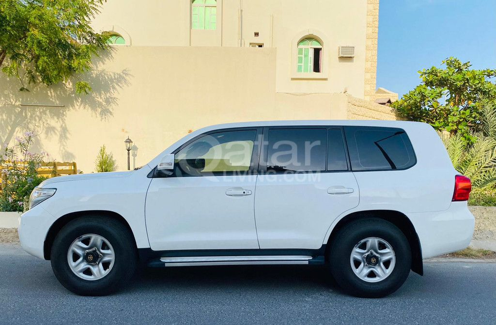 Used Toyota Land Cruiser For Sale in The-Pearl-Qatar , Doha-Qatar #7684 - 1  image
