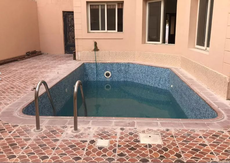 Residential Property 4 Bedrooms S/F Villa in Compound  for rent in Doha-Qatar #10678 - 1  image
