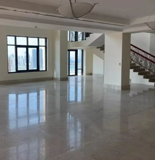 Residential Developed 7 Bedrooms S/F Apartment  for sale in The-Pearl-Qatar , Doha-Qatar #10933 - 1  image