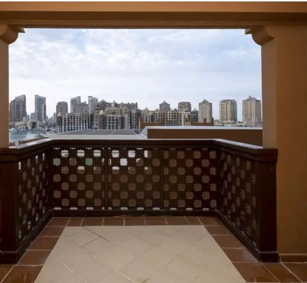 Residential Developed 1 Bedroom S/F Townhouse  for sale in The-Pearl-Qatar , Doha-Qatar #10945 - 1  image