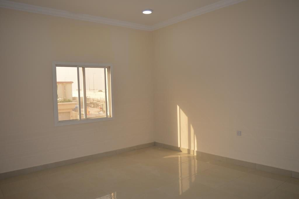 Residential Property 1 Bedroom S/F Apartment  for rent in Abu-Hamour , Doha-Qatar #11000 - 2  image