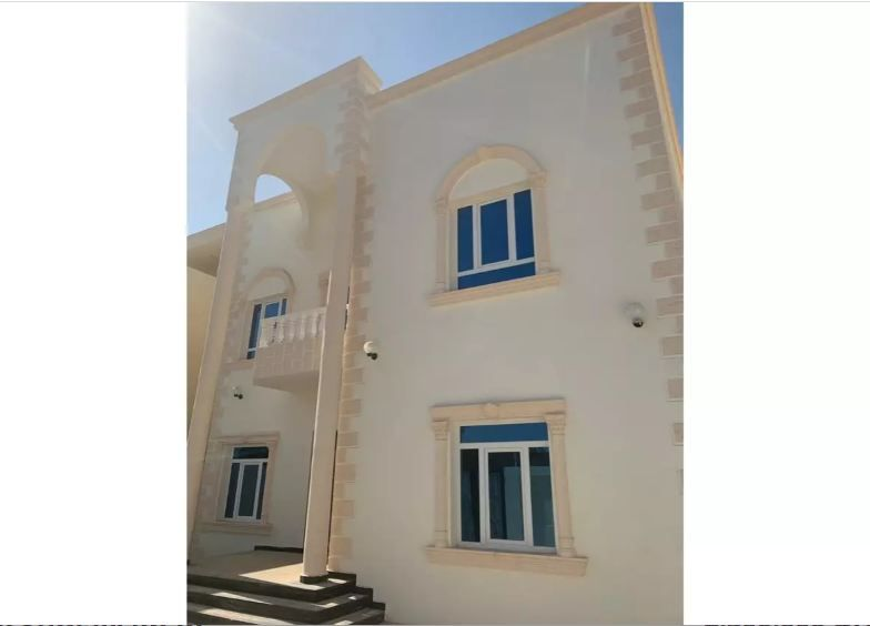 Residential Developed 6 Bedrooms U/F Apartment  for sale in Al-Khor #11015 - 1  image