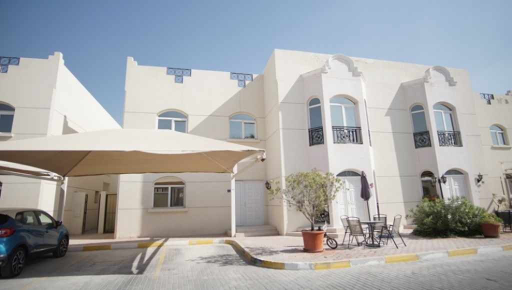 Residential Property 3 Bedrooms S/F Apartment  for rent in Abu-Hamour , Doha-Qatar #11524 - 1  image