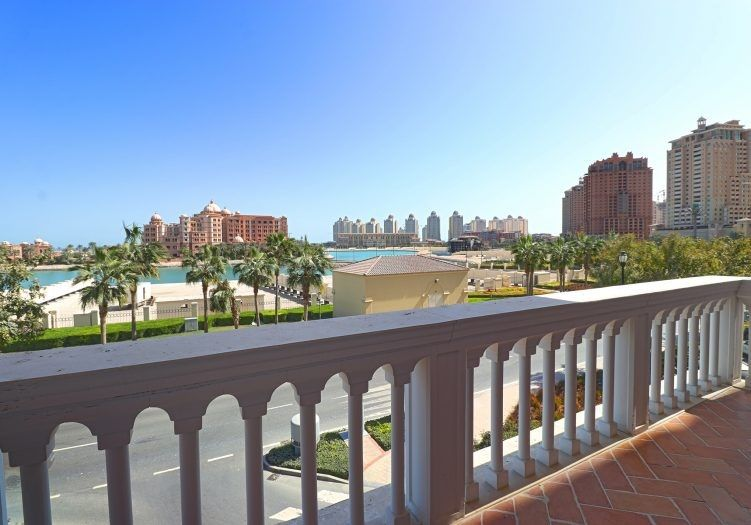 Residential Developed 1 Bedroom S/F Apartment  for sale in The-Pearl-Qatar , Doha-Qatar #14106 - 1  image