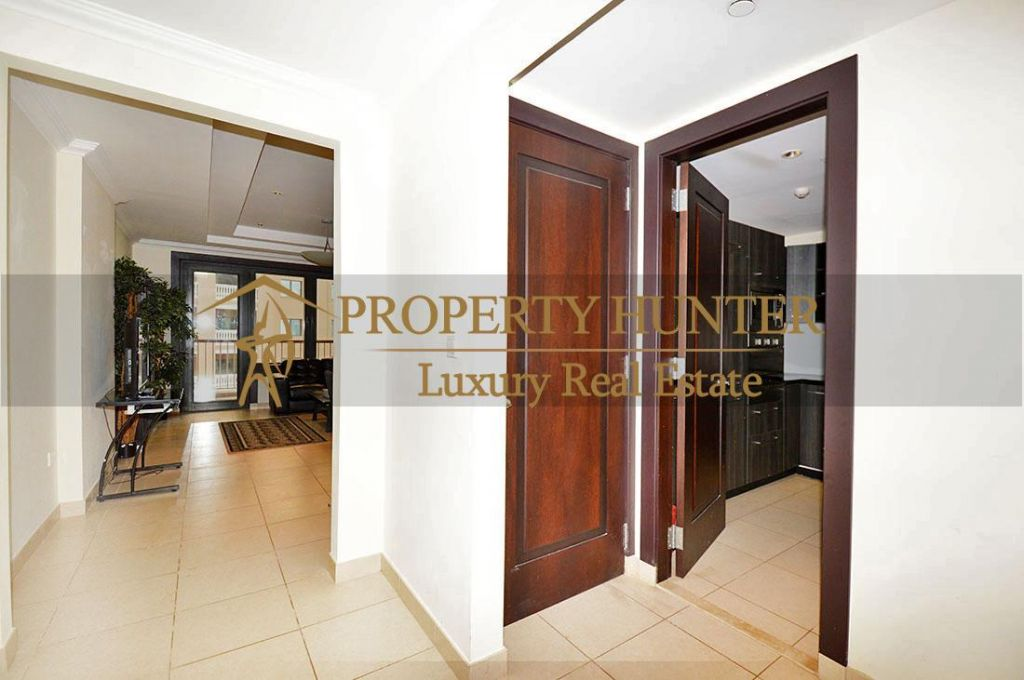 Residential Developed 1 Bedroom S/F Apartment  for sale in The-Pearl-Qatar , Doha-Qatar #6902 - 2  image