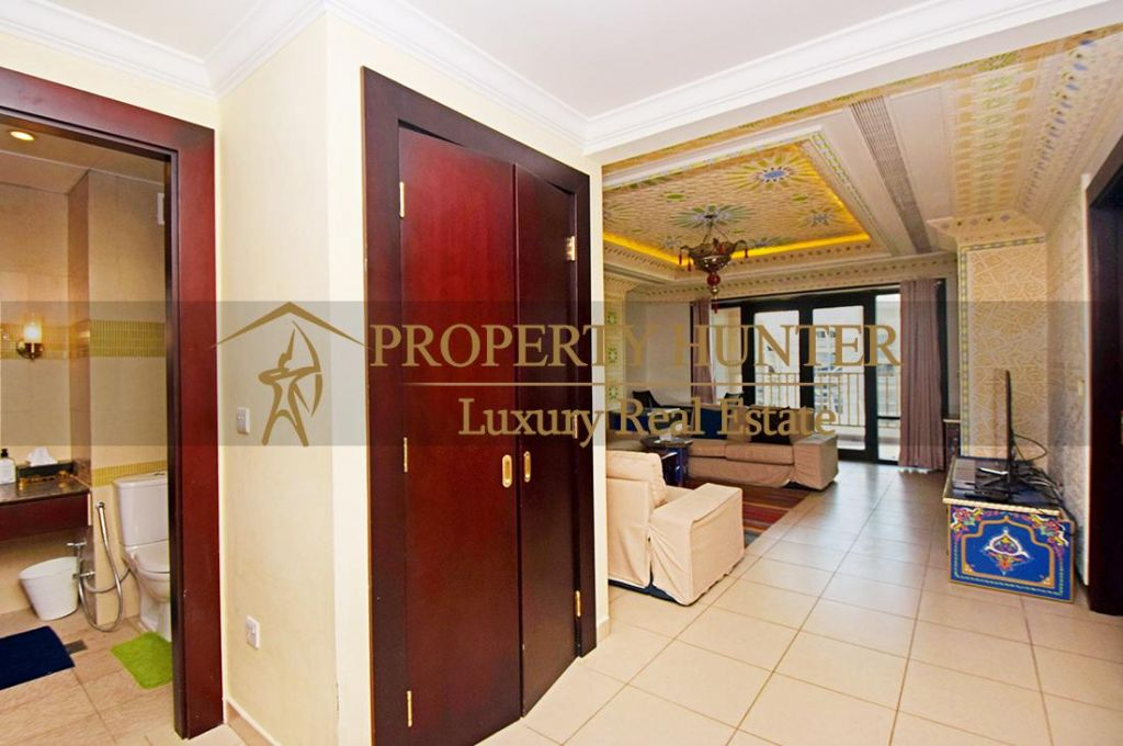 Residential Developed 1 Bedroom S/F Apartment  for sale in The-Pearl-Qatar , Doha #6988 - 3  image
