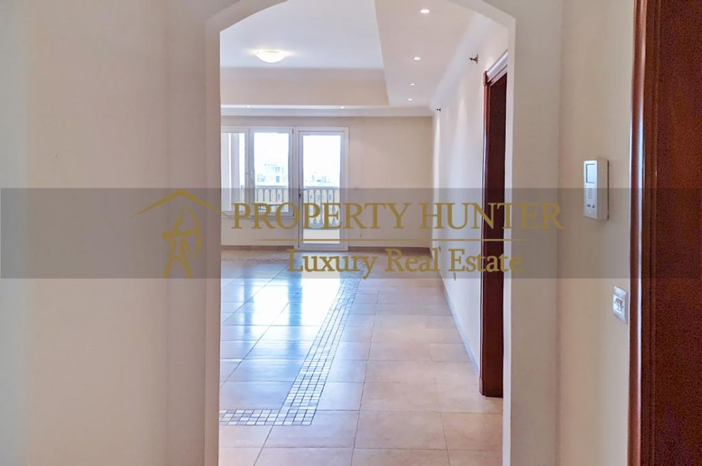 Residential Developed 1 Bedroom S/F Apartment  for sale in The-Pearl-Qatar , Doha-Qatar #7040 - 2  image