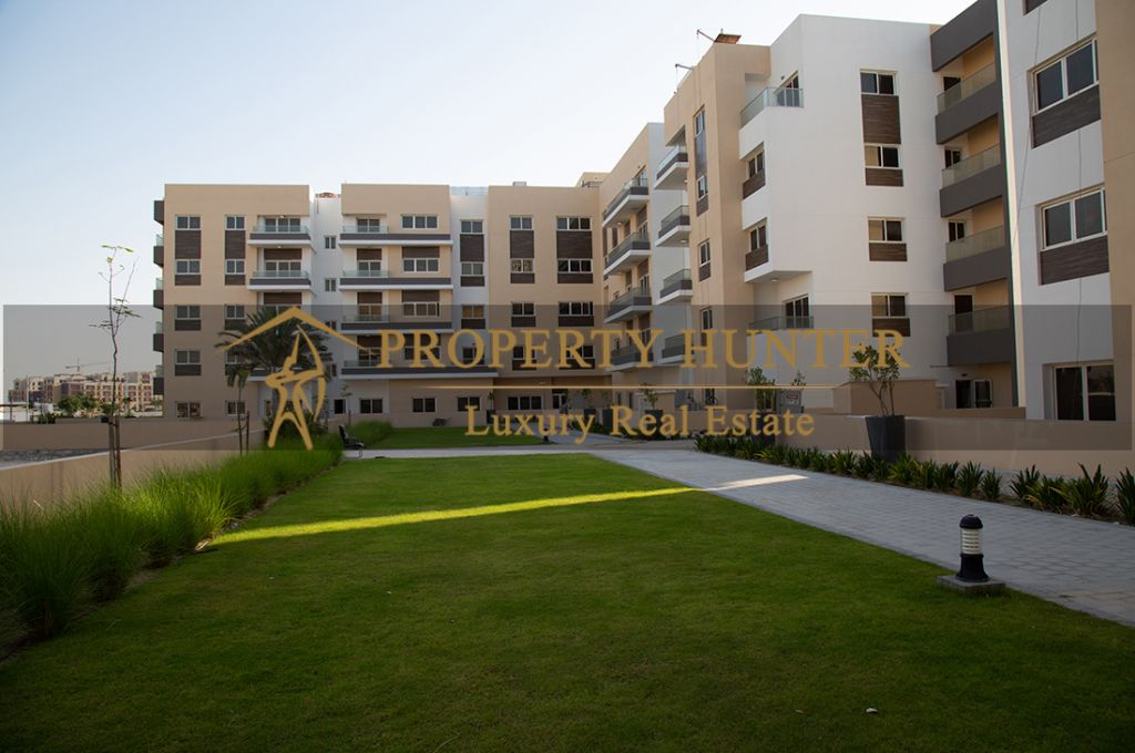 Residential Developed 3+maid Bedrooms U/F Apartment  for sale in Lusail , Doha-Qatar #7442 - 3  image