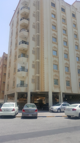 Residential Developed 3 Bedrooms S/F Apartment  for sale in Al-Mansoura-Street , Doha-Qatar #7613 - 1  image