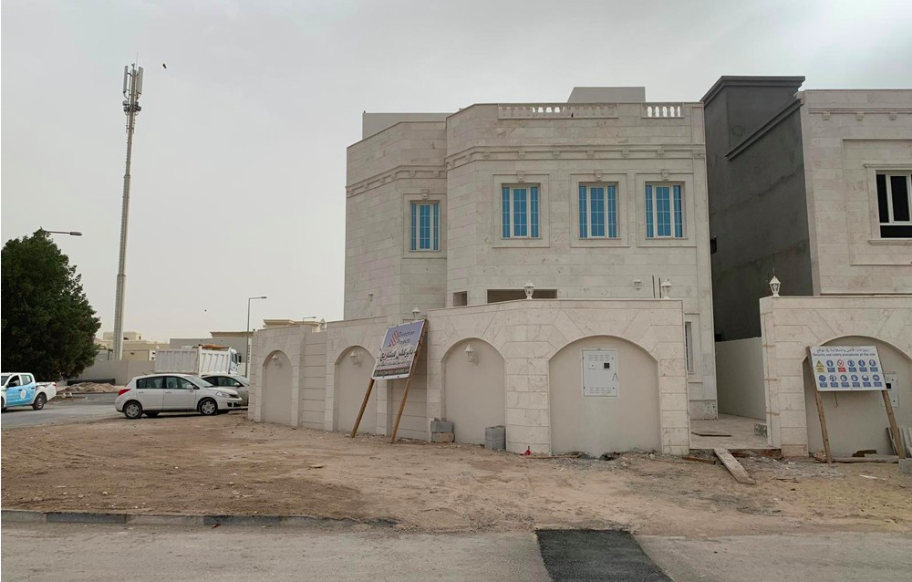 Residential Developed 6+maid Bedrooms U/F Standalone Villa  for sale in Madinat-ash-Shamal #7693 - 1  image