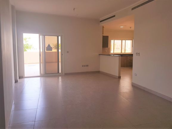 Residential Developed 2 Bedrooms S/F Apartment  for sale in Lusail , Doha-Qatar #8008 - 1  image