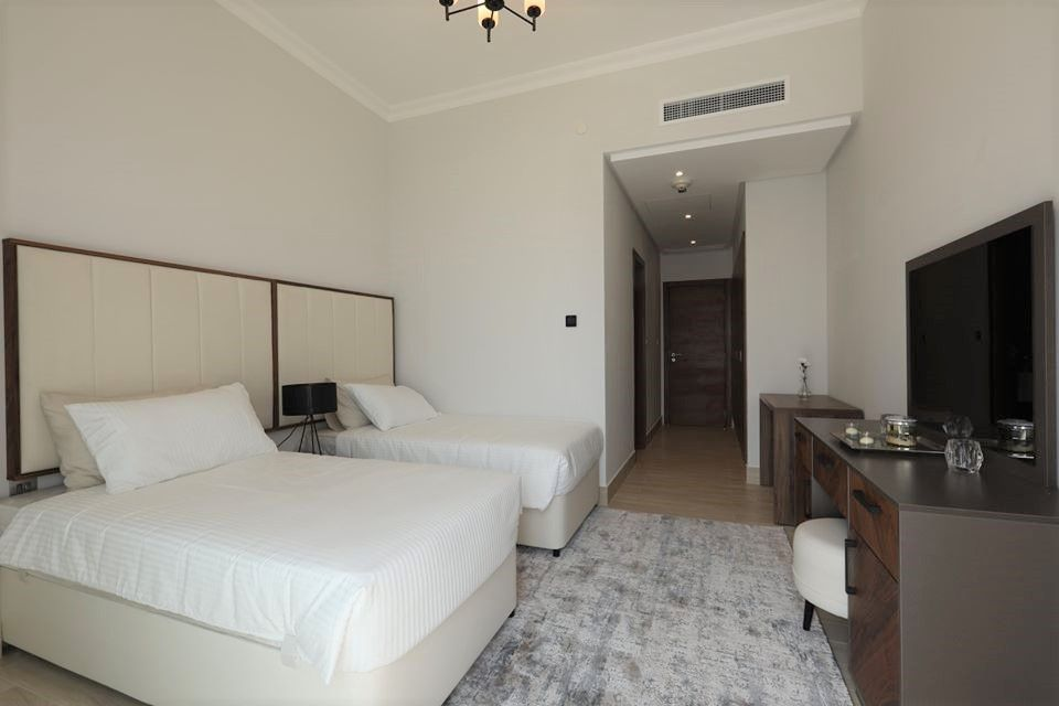 Residential Property 3 Bedrooms F/F Apartment  for rent in Lusail , Doha-Qatar #8035 - 4  image