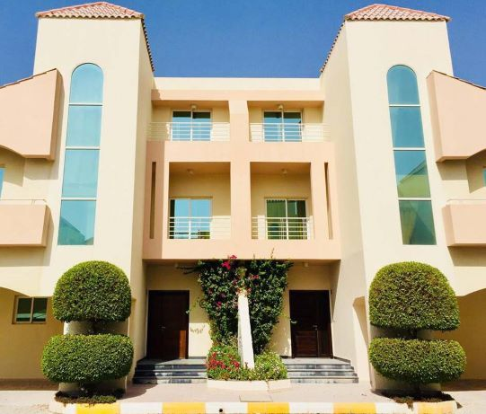 Residential Property 4+maid Bedrooms F/F Villa in Compound  for rent in Doha-Qatar #8042 - 7  image