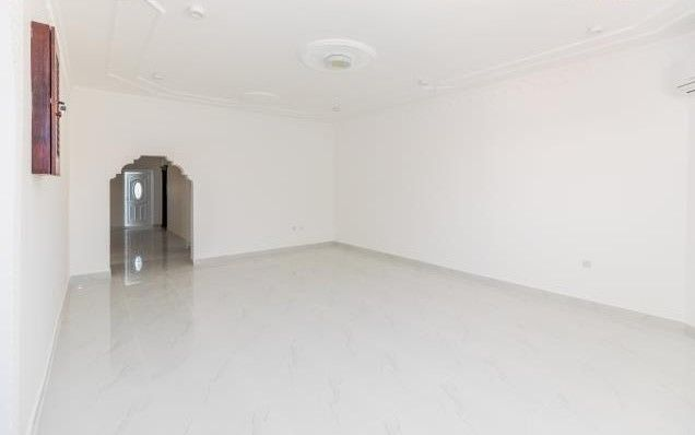 Residential Property 5 Bedrooms U/F Villa in Compound  for rent in Old-Airport , Doha-Qatar #8124 - 2  image