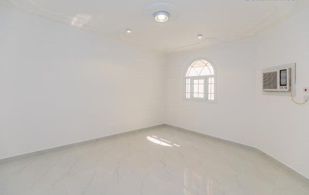 Residential Property 5 Bedrooms U/F Villa in Compound  for rent in Old-Airport , Doha-Qatar #8124 - 4  image