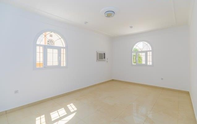 Residential Property 5 Bedrooms U/F Villa in Compound  for rent in Old-Airport , Doha-Qatar #8124 - 6  image