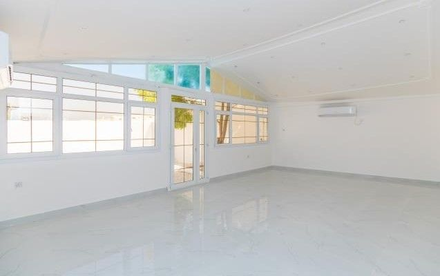 Residential Property 5 Bedrooms U/F Villa in Compound  for rent in Old-Airport , Doha-Qatar #8124 - 8  image