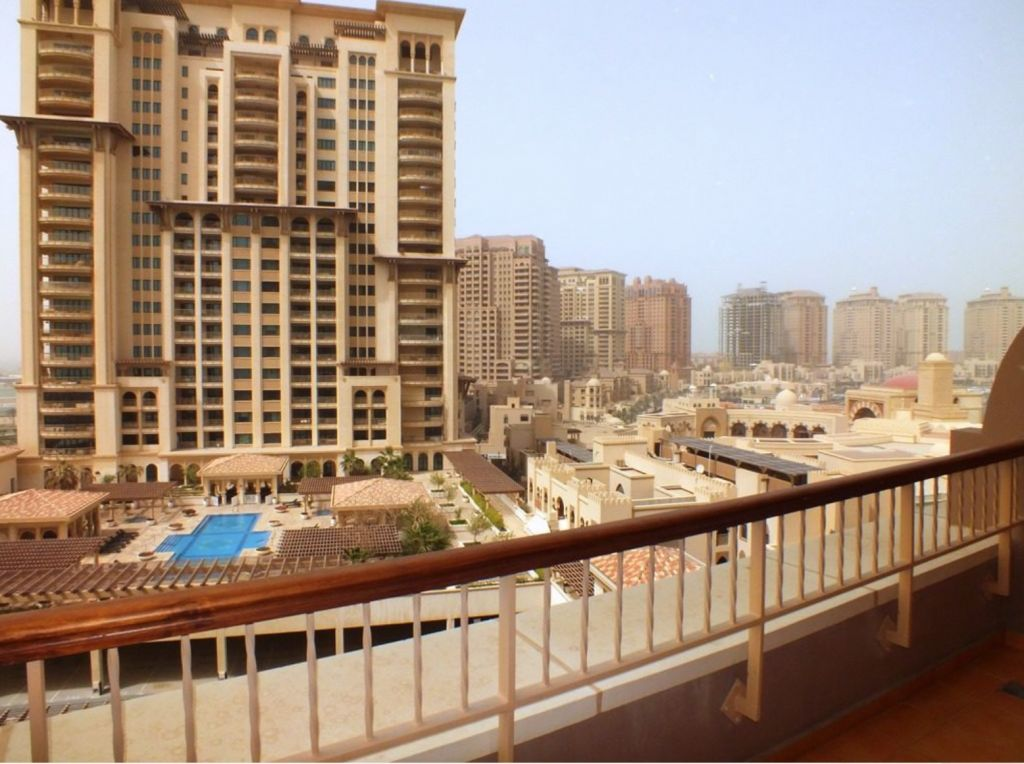 Residential Developed 1 Bedroom S/F Apartment  for sale in The-Pearl-Qatar , Doha-Qatar #8170 - 1  image