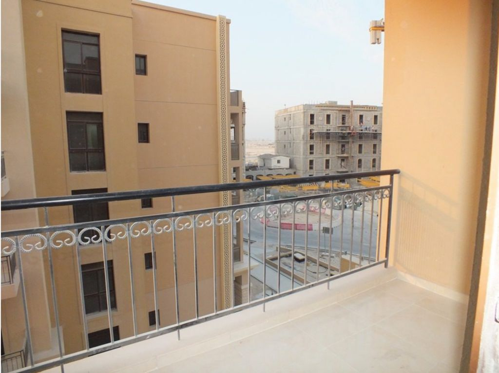 Residential Developed 2 Bedrooms U/F Apartment  for sale in Lusail , Doha-Qatar #8172 - 1  image