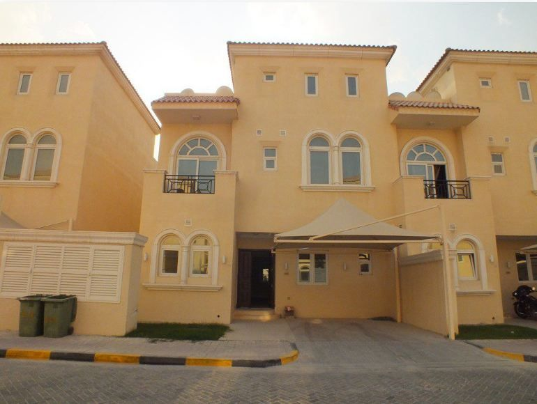 Residential Property 5 Bedrooms S/F Villa in Compound  for rent in Abu-Hamour , Doha-Qatar #8333 - 1  image