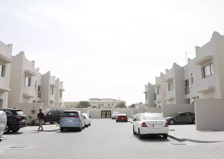 Residential Property Studio U/F Apartment  for rent in Doha-Qatar #8471 - 1  image