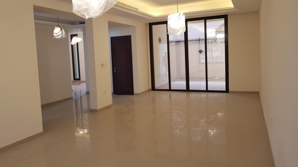 Residential Property 5 Bedrooms S/F Villa in Compound  for rent in Doha-Qatar #8685 - 1  image
