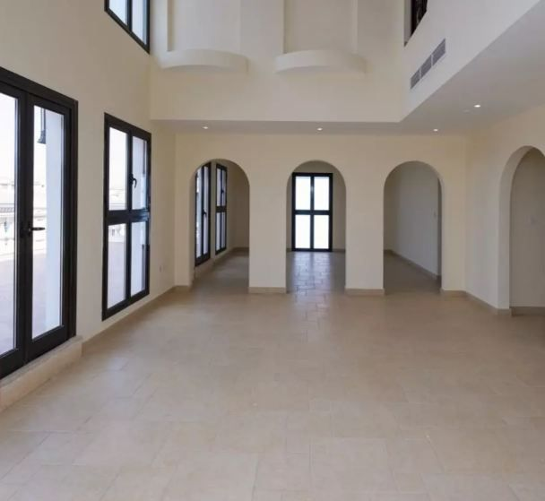 Residential Developed 5 Bedrooms S/F Apartment  for sale in The-Pearl-Qatar , Doha-Qatar #9803 - 1  image