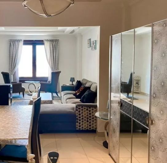 Residential Developed 1 Bedroom F/F Apartment  for sale in The-Pearl-Qatar , Doha-Qatar #9878 - 1  image